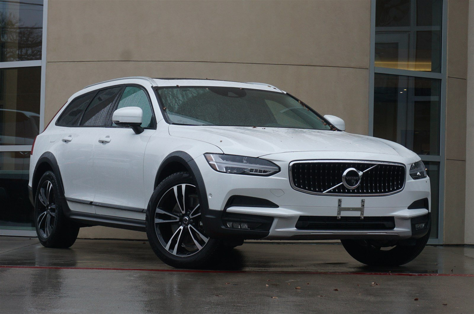 pre-owned 2018 volvo v90 cross country t5 4d wagon in austin #l19081